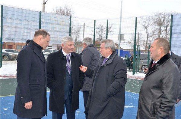 Василий Голубев посетил площадку, возведенную по программе «Газпром детям!»